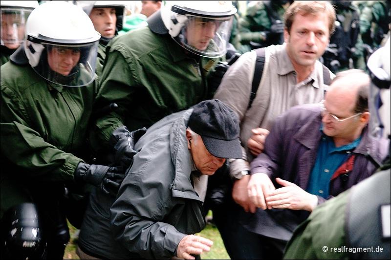 Stuttgart 21: Polizei räumt Park - zahlreiche Verletzte