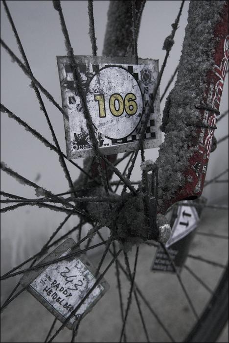 Fahrrad mit Schnee